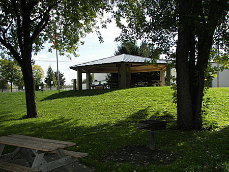 Green Island Park and Ice Arena