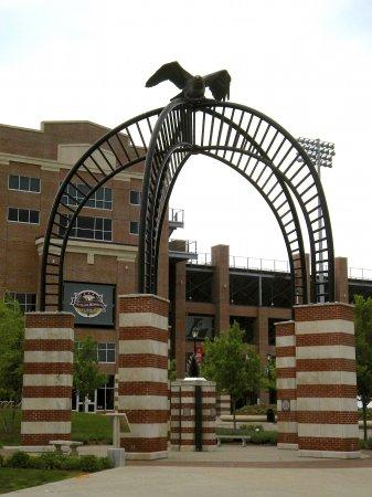 Veterans Memorial Field Eagle - Sculpture