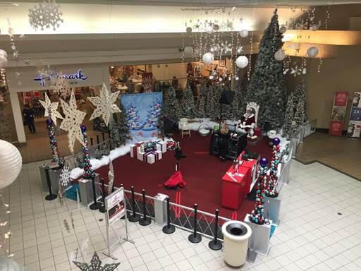 Santa Arrives at Valley View Mall