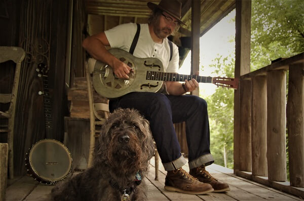 Driftless Musicians Living An Old-Fashionable Life